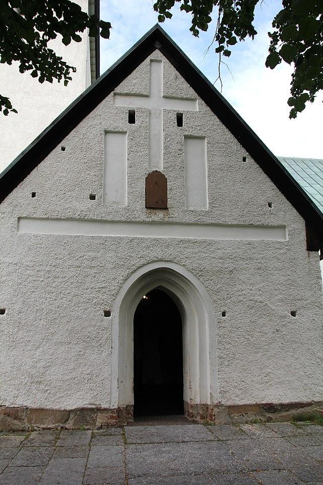 Spånga kyrka 2012b.JPG