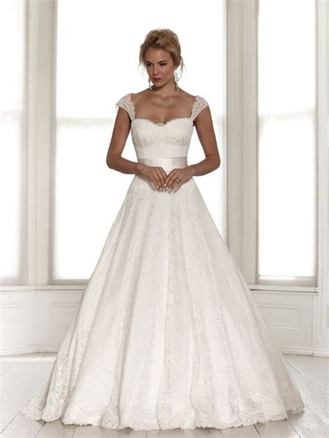 Best 25  Wedding dress straps ideas on Pinterest   Bodice
