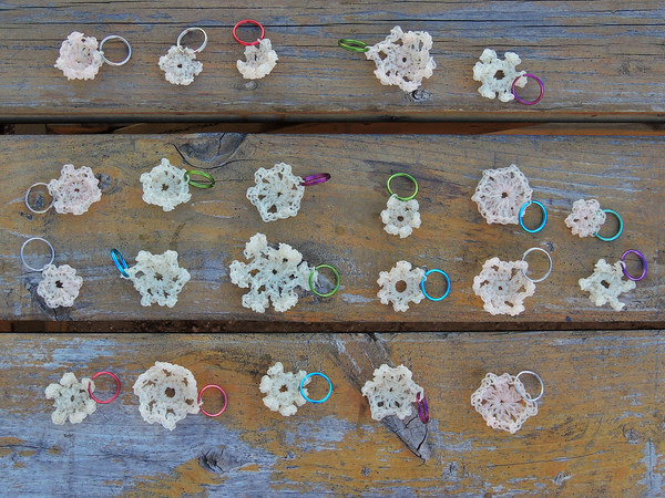 glow-in-the-dark Jelly Yarn snowflake key chains for camp