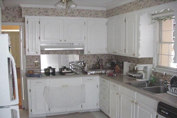 Maple and birch Shaker style kitchen cabinets | StudioK