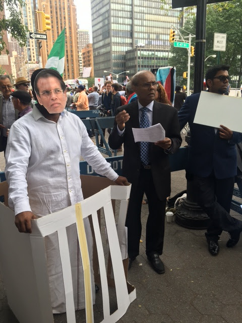 While Sri Lankan President was addressing the UN - a mock Prosecution of Sri Lanka was held outside for War Crimes