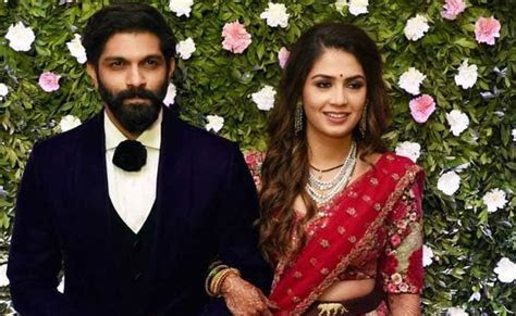 Pics: High Profile Guests At Wedding Reception For Raj