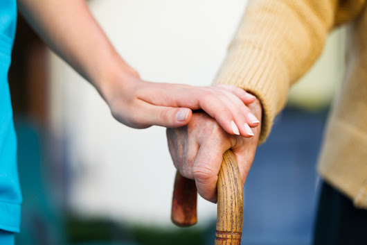 Study: Family caregivers for elderly need help, too