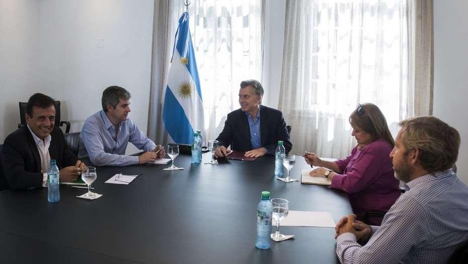 Tras negociar con la oposición, el Gobierno lanza más medidas de control migratorio