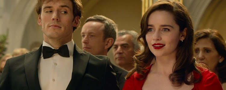Os dois personagens principais da trama, em um salão de festa à rigor: o jovem usa smoking, já a moça, um vestido vermelho, os dois têm expressões divertidas e serenas