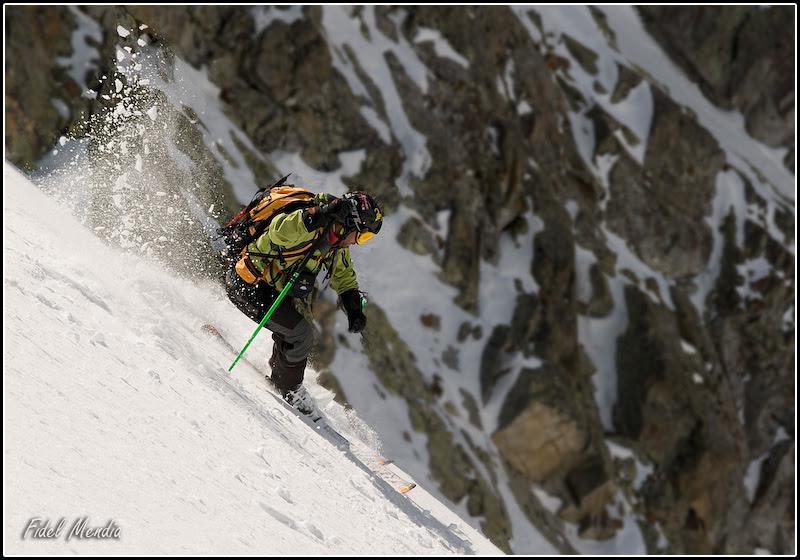 Ian comienza el descenso de la cara norte del Tablato 2