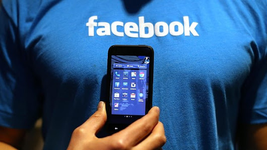 Facebook privacy challenge attracts 25,000 users