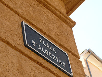 place d'Albertas.jpg