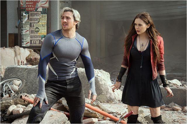 Os Vingadores 2: A Era de Ultron : Foto Aaron Taylor-Johnson, Elizabeth Olsen