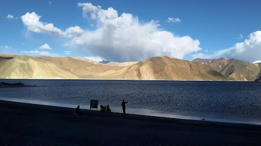Roadtrip & Camping in Pangong Tso