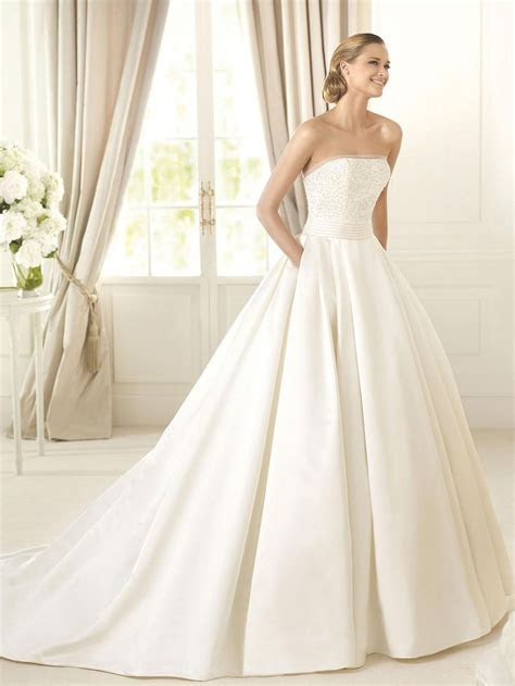 How to Choose Fall Wedding Dresses and Accessories   The