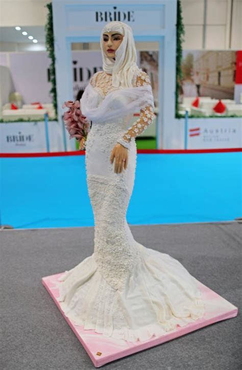 Incredible: Checkout This Million Dollar Wedding Cake Made