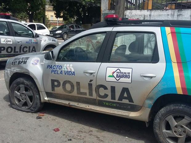 Soldado teria atirado em cabo da PM dentro de viatura depois de discussão (Foto: Danielle Fonseca / TV Globo)