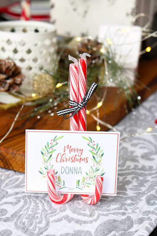 Christmas Printables - Free Printable Christmas Place Cards - Clean and Scentsible