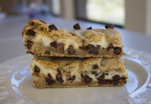 Chocolate Chip Cheesecake Bars - Cookie Madness