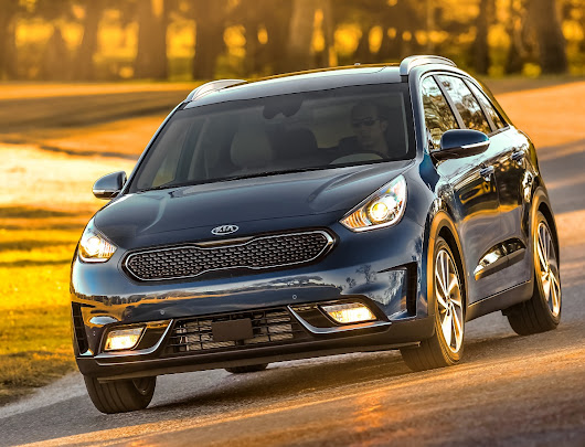 REVIEW: 2017 Kia Niro – Hybrid Efficiency in a Subcompact Crossover
