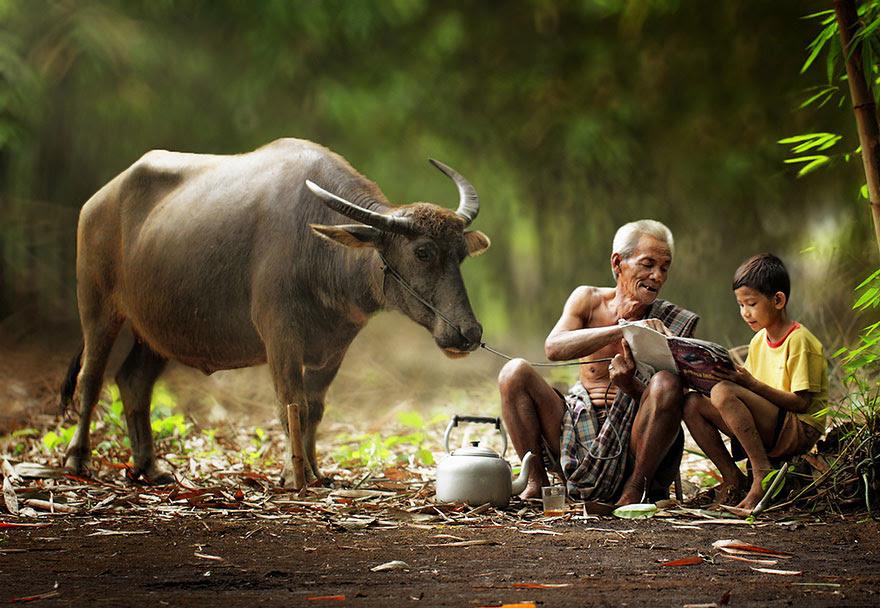 Foto Kehidupan Sehari-hari di Pedesaan 7