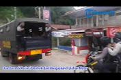 VIDEO - Kondisi Lokasi  Tempat Bentrok di Kerinci, Bangkai Motor Berserakan