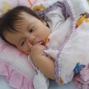 Menina Sofia Lacerda sofre de síndrome de Berdon, doença rara que afeta o sistema digestivo, e precisa de um transplante que não é realizado no Brasil