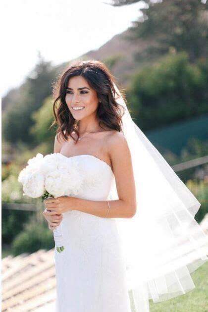 Graceful Soft Tulle Cut Edge Ivory Beach Wedding Veil for