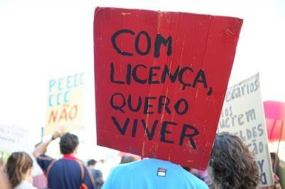 53% dos jovens trabalhadores têm contratos temporários.  A taxa de desemprego entre os jovens alcançou os 23,4% no terceiro trimestre de 2010. Foto de Paulete Matos.