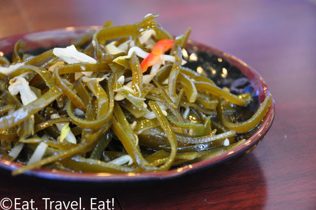 Seaweed and Bean Sprout in Garlic, Vinegar Sauce