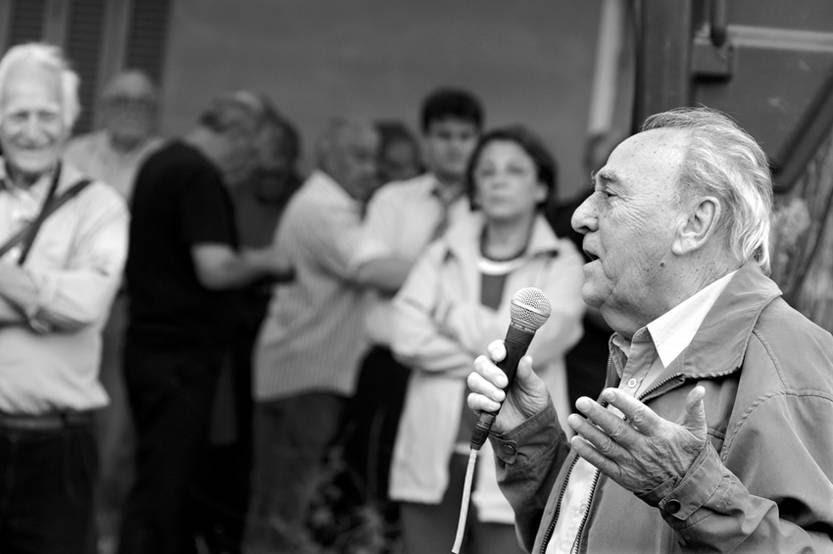 Luis Iguini, ayer, durante el acto de instalación de la Marca de la Resistencia en la Federación del Vidrio.