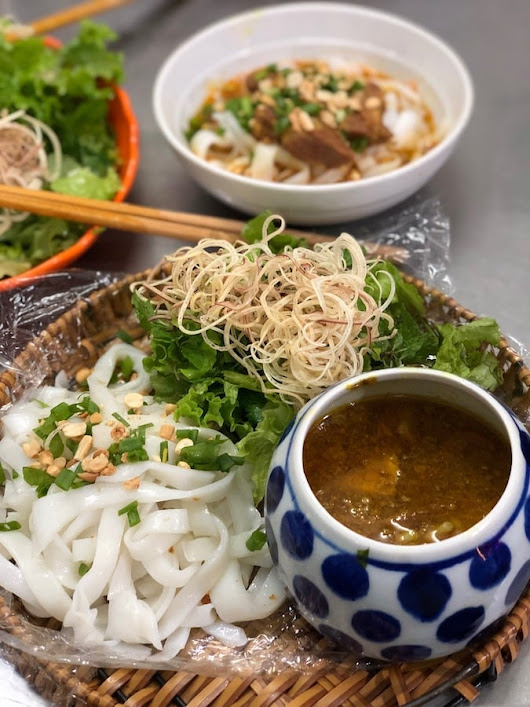 A Review Of Mi Quang Da Nang - Quang Style Noodle Soup | The Broad Life