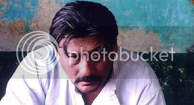 http://i298.photobucket.com/albums/mm253/blogspot_images/Deewarein/PDVD_001.jpg