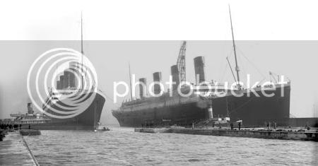 Titanic & Olympic meet in Belfast.