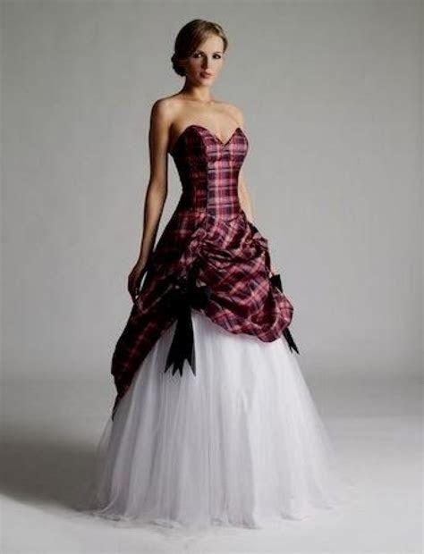 Lovely Scottish Tartan Wedding Dress   Wedding Ideas