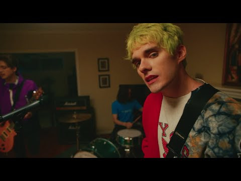 "Waterparks - ""EASY TO HATE"" (Official Music Video)"
