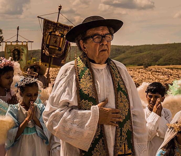 Umberto Magnani interpretava o Padre Romão em 'Velho Chico' (Foto: TV Globo)