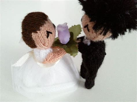 Knitted Bride and Groom Cake Topper Tutorial   Polka Dot Bride