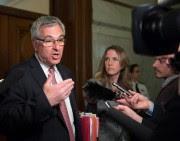 Jean-Marc Fournier, ministre responsable des Relations canadiennes et... (PHOTO JACQUES BOISSINOT, ARCHIVES LA PRESSE CANADIENNE) - image 1.0
