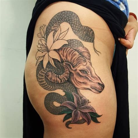 seductive hip tattoo designs girls heat floor