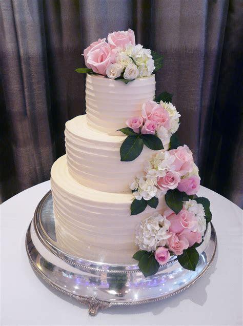 Pêche Petite?s Most Popular Wedding Cake!   Peche Petite