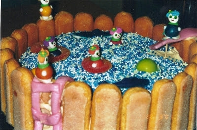 Cake Decoration: How to Make a Swimming Pool Kid's Birthday Cake