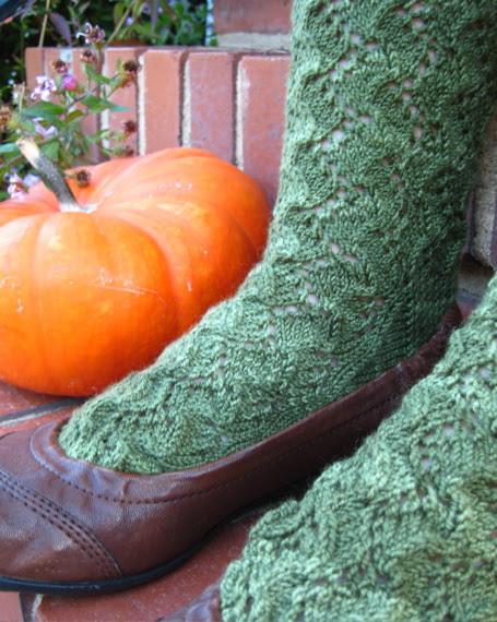pumpkinvinesocks1