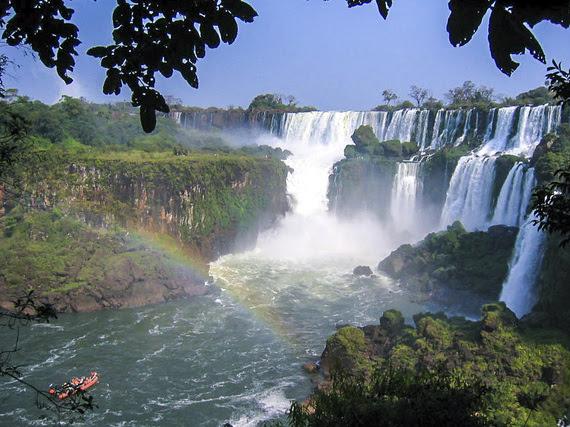 2015-03-29-1427672136-724673-Iguazu.jpg