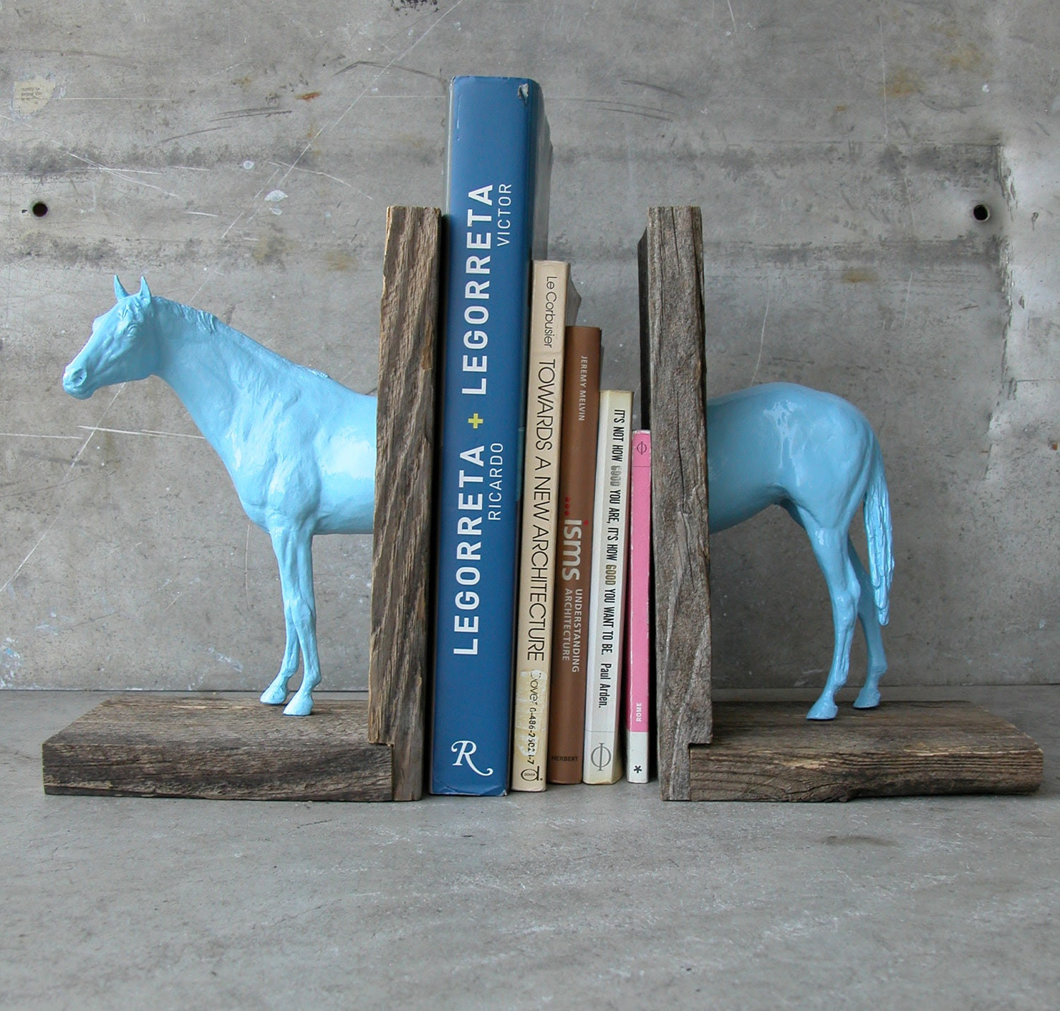 Thoroughbred Sculpture Horse Bookend