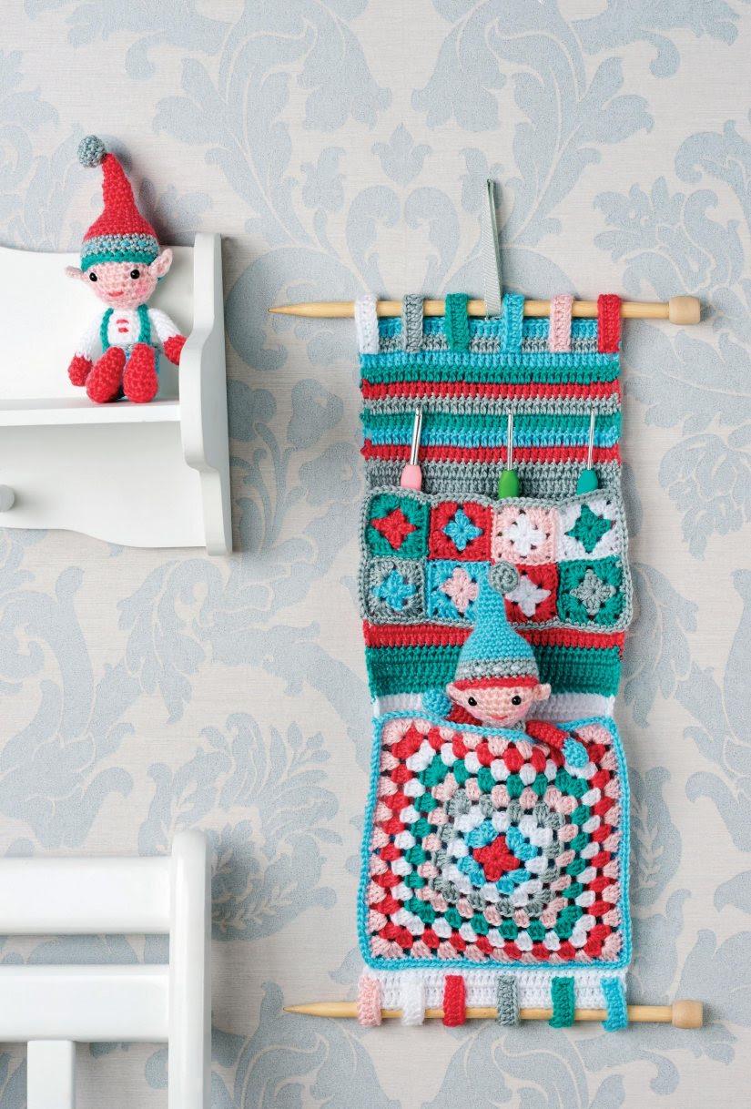 Crochet hanging organiser
