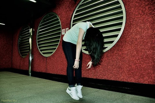 Spooky MTR Levitation Photography | Hong Wrong Hong Kong Expat Blog