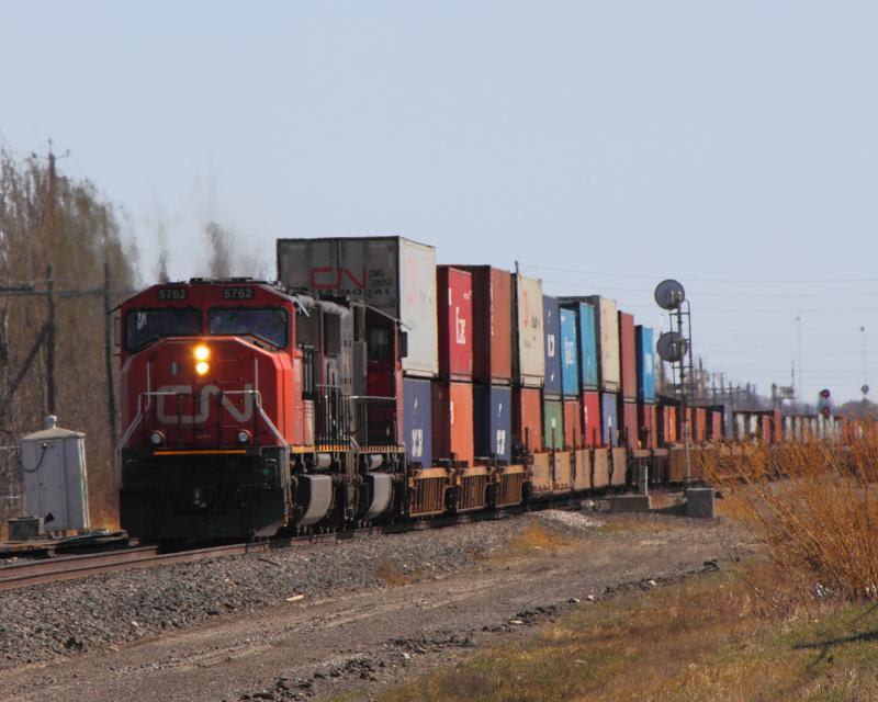 CN 5762 in Winnipeg, Manitoba