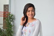 Rashmika Mandanna Biography, Photos,Wallpaper,Status,Moviews,Age, Height, Weight, Partner, Family, WIki & More info
