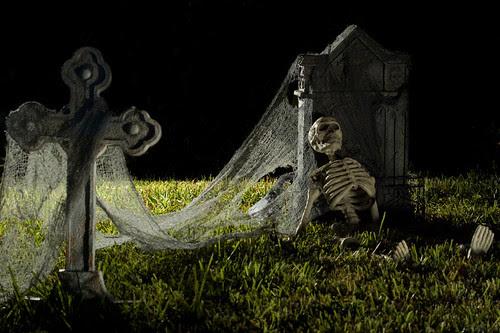 Spooky Cemetery 2 (by jciv)