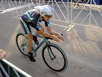 Bianchi racer accelerating at the start
