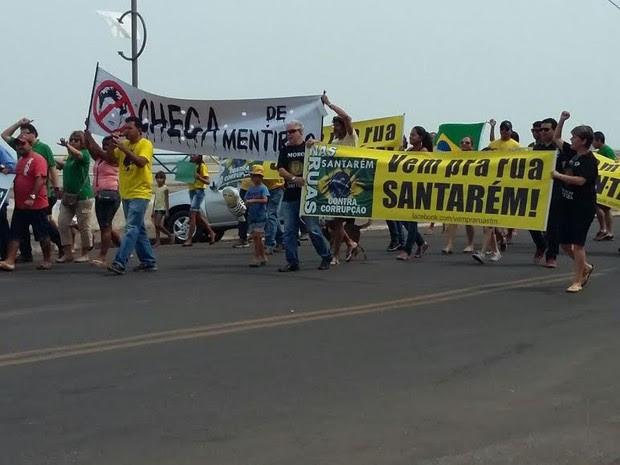 objetivo do movimento é mostrar o descontentamento contra as mudanças nas 10 medidas contra a corrupção. (Foto: Daniele Gmaboa/TV Tapajós)