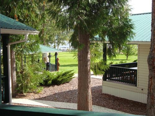 Scotch Creek Cottages #1 - Shuswap Lake vacations - Vacation Rentals in Scotch Creek, British Columbia - TripAdvisor