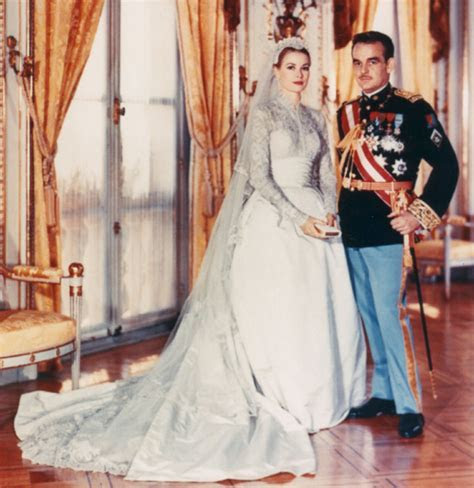 Grace Kelly's wedding dress   My Wedding Scrapbook